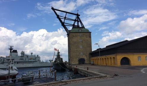 Dannebrog i havn